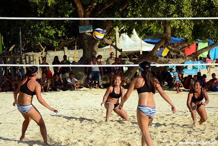 Beach volleyball action at Sarbay