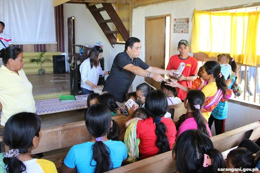 Sitio Falel residents get medicines