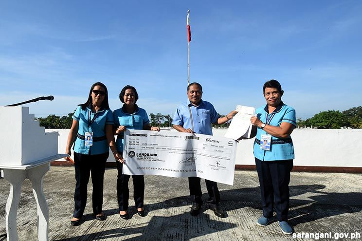 Retiree receives P128k SPEU pabaon