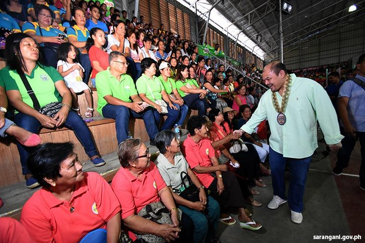 Binuyugan crowd welcomes Gov. Solon
