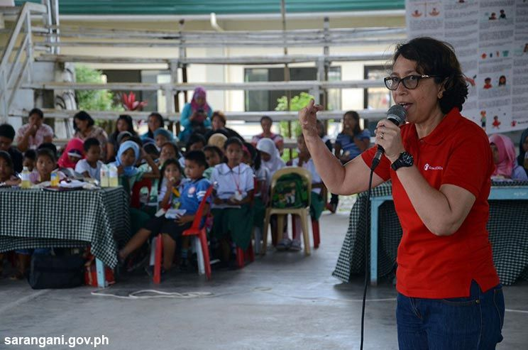 Dominguez advocates child nutrition