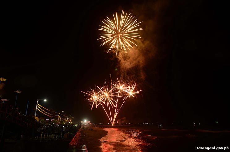 The Baywalk fireworks on Timpuyog