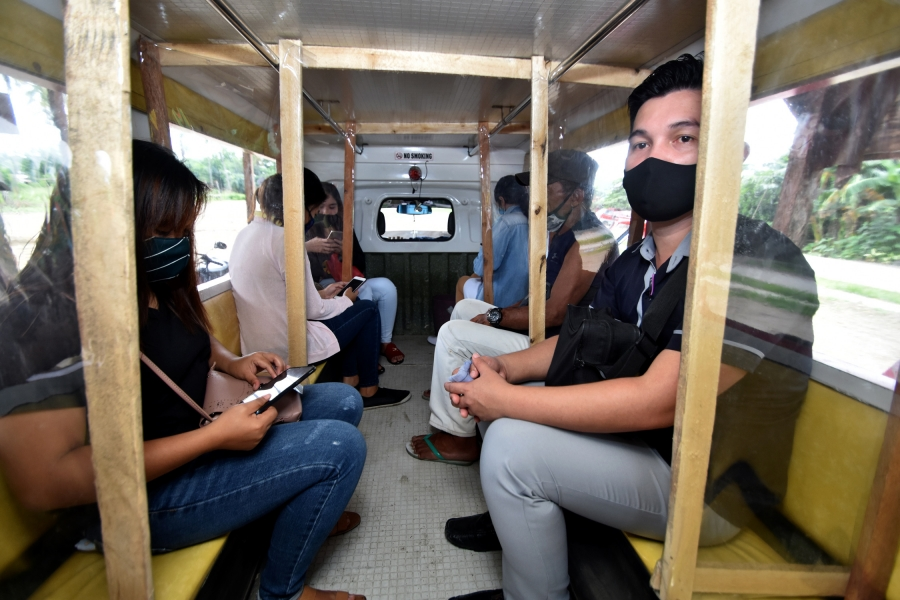 ALTRANSMULCO drivers get gov't subsidy as passenger capacity cut by half