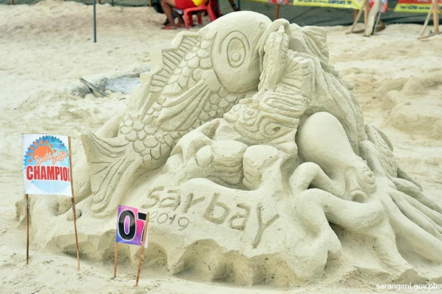 Glan family wins Sand Sculpture Competition