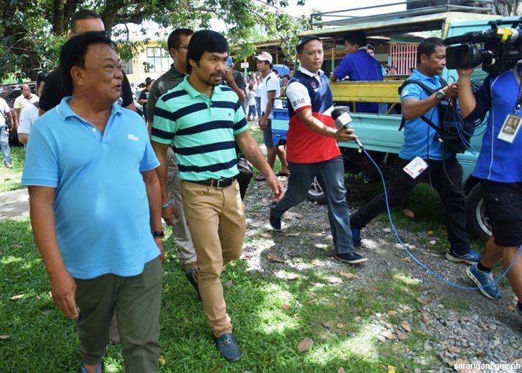 Pacquiao arrives to vote
