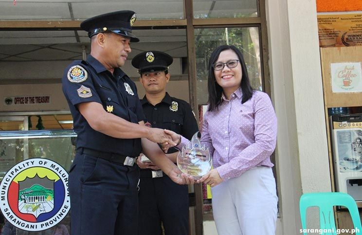 MTDC receives plaque of recognition from BFP-12