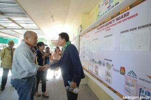 Thai envoy visits public school