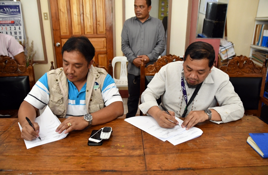 Mayor Bryan, CENRO sign MOA on environment protection