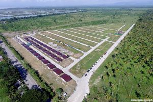 Housing project rises beside Provincial Capitol