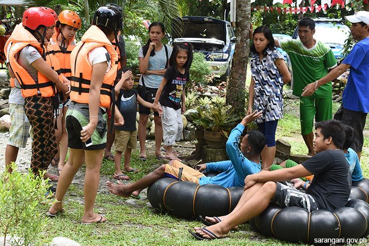 Water tubing draws tourists