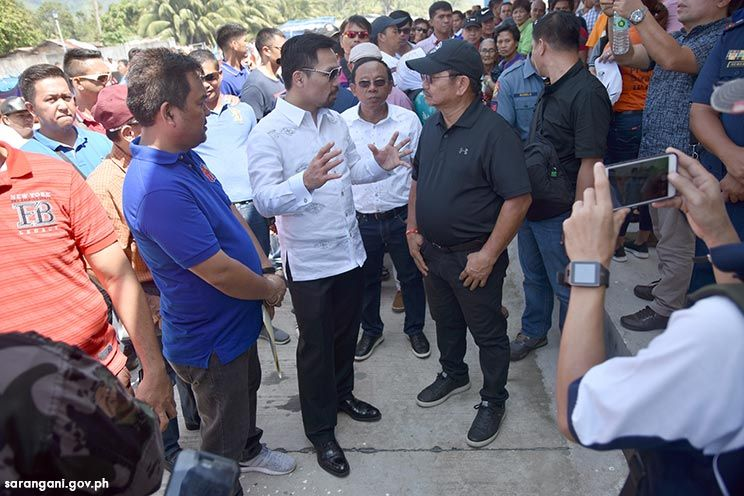 Sen. Pacquiao, Sec. Pinol grace fish port turn over