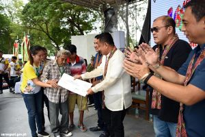 Officials give Centenarian Award