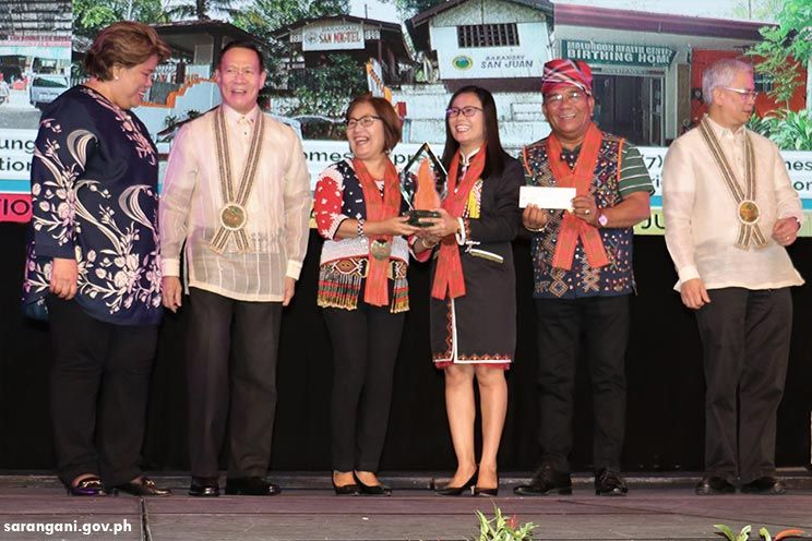 Malungon receives Nutrition Honor Award