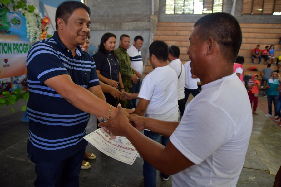 Drug surrenderers finish Community-Based Rehabilitation Program