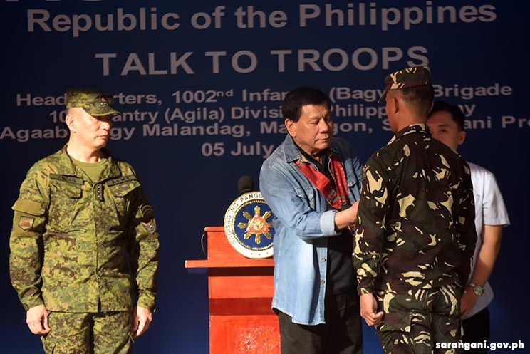 President Duterte awards outstanding personnel